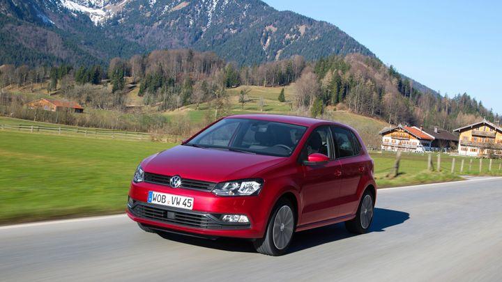 První jízda s novým VW Polo. Uvnitř má techniku pro fabii