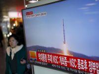 Kim Čong-un slaví 85. výročí severokorejské armády velkými manévry s ostrými střelbami