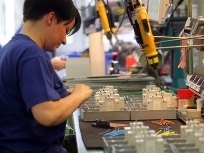 Roboti vám přinesou novou práci, o místo připraví jen někoho. Projděte si, koho firmy hledají