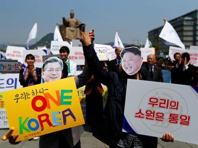 Stůl musí mít přesné míry, Kim dostane dezert s mapou Korejí. To nejdůležitější o historické schůzce