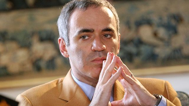 Chess and politics. Garri Kasparov balances both at Hluboká