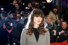 Video: Keira Knightleyová se nechala zkopat