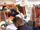 Zraněný český řidič kamionu z Janova byl převezen do pražské nemocnice