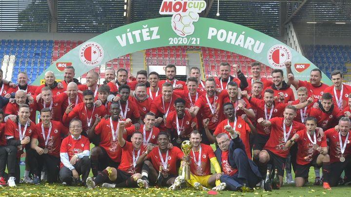 Fotbalisté Slavie vstoupí do poháru ve Velvarech, Sparta na hřišti Líšně; Zdroj foto: ČTK