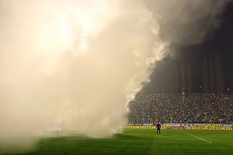 Baník beat Sparta amid smoke bombs and jokes