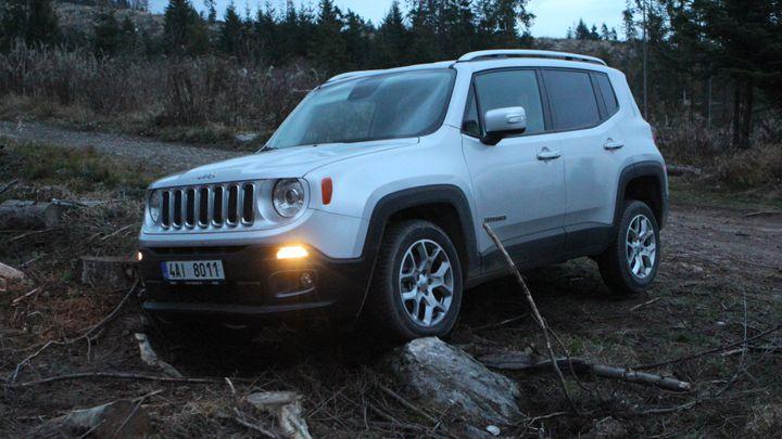 Nejmenší Jeep překvapuje. Umí i v terénu, dokázal v Tatrách