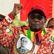 Mugabe dostal od vládní strany ultimátum, do pondělního poledne má odstoupit. To prezident odmítá