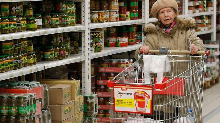 Zaveďte v Rusku potravinové lístky, žádají spotřebitelé