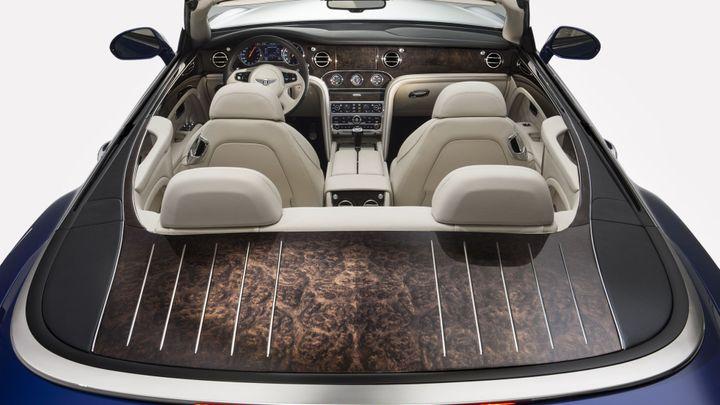 Bentley chystá velký kabriolet. Koncept je superluxusní