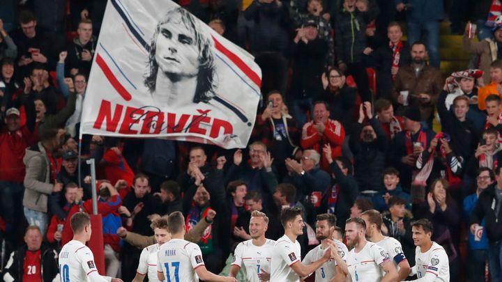 Kiks velšského brankáře směroval Čechy k výhře. Nakonec uhráli jen bod; Zdroj foto: Reuters