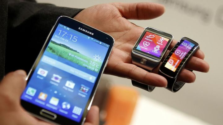 Zisk Samsungu klesl. Chytré telefony totiž zlevňují