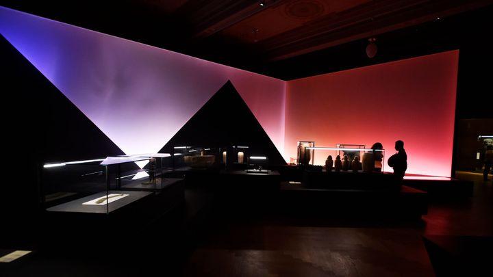 Muzea a galerie otevřely. Lidé přišli na Sluneční krále, na Rembrandta stáli frontu