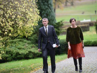 Živě: Babiš jedná s SPD. Hodně štěstí při sestavování stabilní vlády, napsal mu Juncker