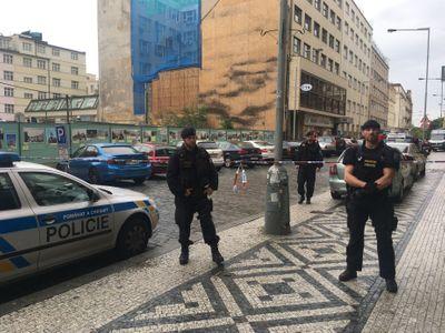 Přepadení obchodu se zbraněmi šetří policie i jako pokus o vraždu. Žena využila nutnou sebeobranu
