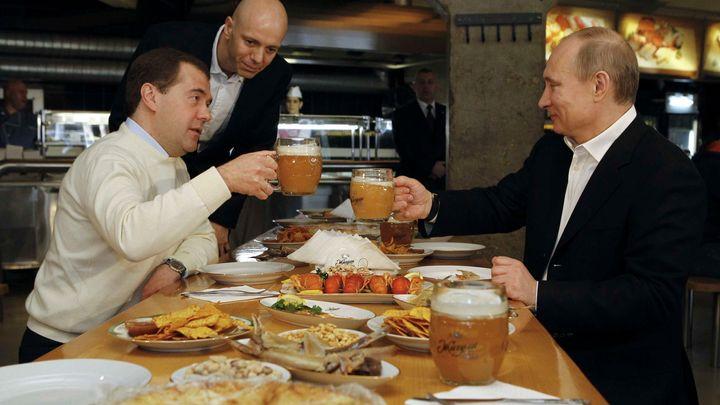 Jezte méně, radí politici Rusům v krizi. Sport je přednější