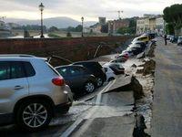 U slavné galerie Uffizi ve Florencii se propadlo dvě stě metrů silnice