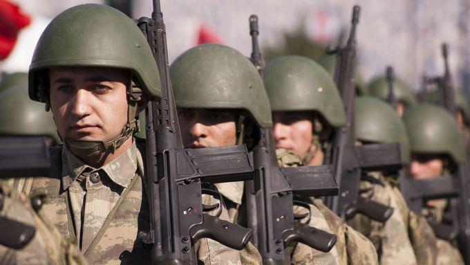 Erdogan hrozí dalším vojenským tažením. V Libyi by se postavil proti mocnému Rusku