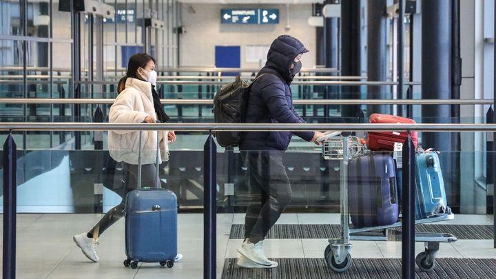 Soud zrušil opatření, které žádalo negativní test na covid před návratem do Česka