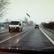Video: Z dodávky upadl kus ledu a prorazil čelní sklo protijedoucího auta