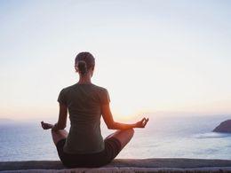 Naučte se základy meditace. Pomohou vám vydržet v pohodě dlouho po dovolené