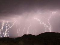 Nová předpověď počasí na další měsíc. Dnes pozor na silné bouřky