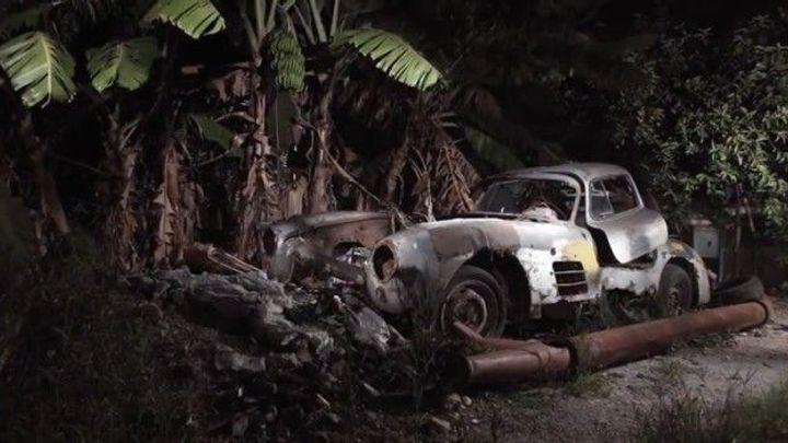 Fotograf našel na Kubě pod palmou vrak mercedesu za miliony
