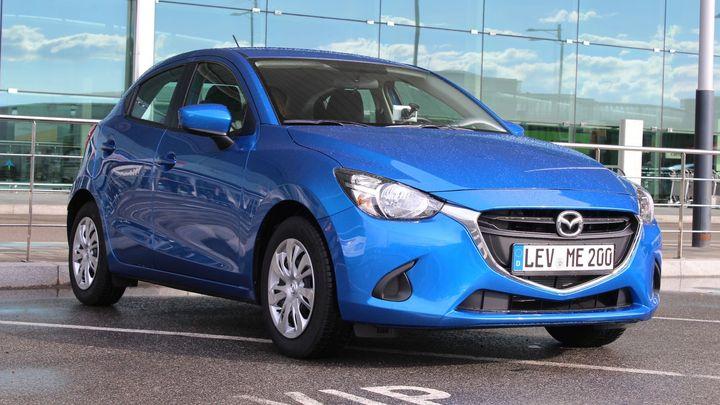Přijíždí nová Mazda 2. Porovnali jsme ji s fabií