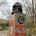 """Marxův hrob v Londýně znovu poničil vandal. """"Architekt genocidy"""", napsal na něj rudě"""