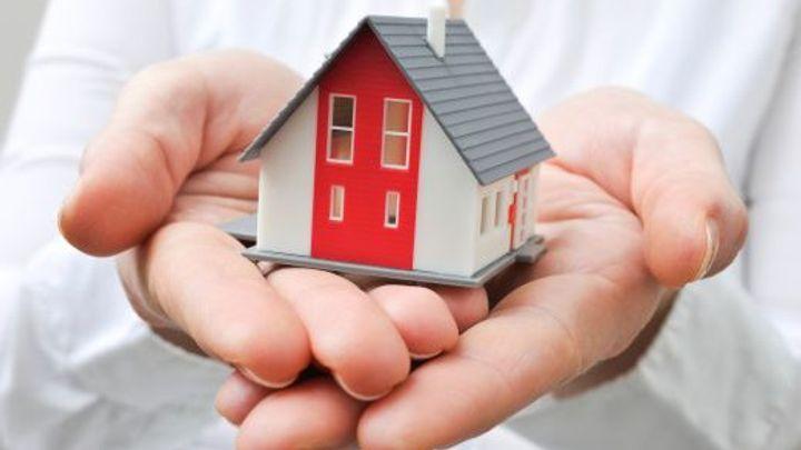 Pád úrokových sazeb u hypoték nekončí, klesly na nový rekord