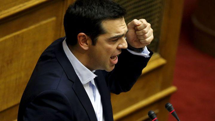 Finanční chaos se blíží. Řecký parlament schválil referendum