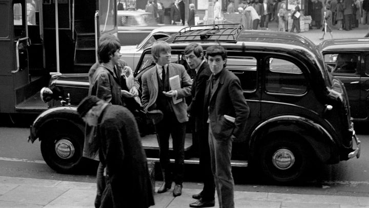 Když měli jen osm fanoušků. Neznámé fotografie zachycují začátky Rolling Stones