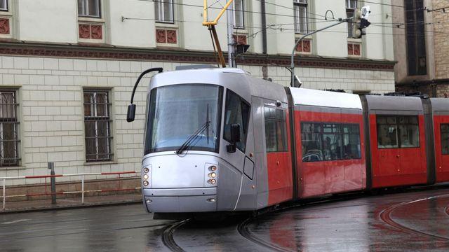 a03a2cdaa8e Tramvaje z Prahy do Jesenice by měly začít jezdit do roku 2023 ...