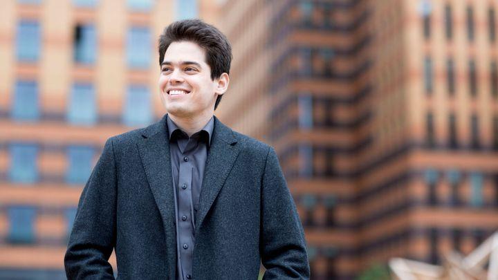 Po 50 letech změna. Izraelské filharmoniky opouští Zubin Mehta, nastoupí mladý dirigent Shani