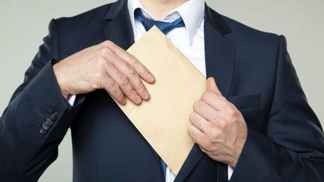 Úplatek za veřejné služby dalo 9 procent Čechů. Lidem vadí dvojí ... 8c52776945