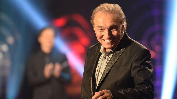 Karel Gott se vrací na pódia, v květnu s ním v Praze zazpívají Eva Pilarová nebo Vojta Dyk