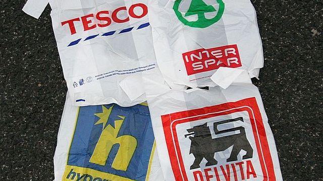 Plastove Tasky V Obchodech Nebudou Zdarma Poslanci Zmenili Zakon O