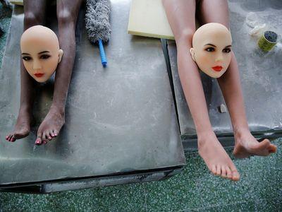 Fotky: Tak v Číně vyrábějí robotické nafukovací panny. Zvládnou i konverzaci