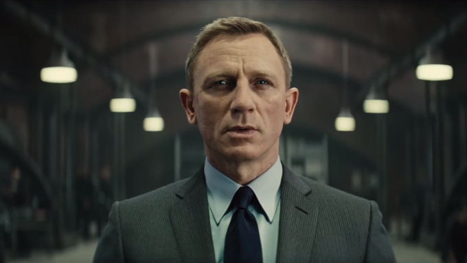 Daniel Craig jako James Bond ve filmu Spectre.
