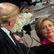 Zločinecké podniky? Trump s Clintonovou se hádají o své nadace, skandály provázejí obě