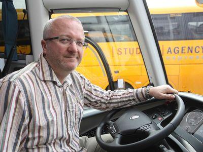 Jančura se rozhodl přestavět žluté autobusy. FlixBus nás chce zničit, říká o nové konkurenci