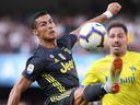 Ronaldo zlomil Sorrentinovi nos. Gólmana Verony probouzeli z bezvědomí