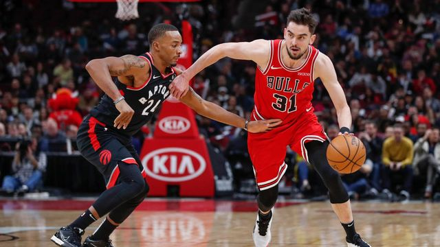 Dec 9, 2019; Chicago, IL, USA; Chicago Bulls guard Tomáš Satoranský (31) drives to the basket against Toronto Raptors guard Norman Powell (24) during the first half at Un