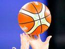 Noc vášně se nevyplatila. Japonští basketbalisté strávili noc s dívkami, prozradily je soupravy