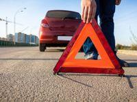 Tragická nehoda dvou aut uzavřela hlavní tah z Karlových Varů do Prahy