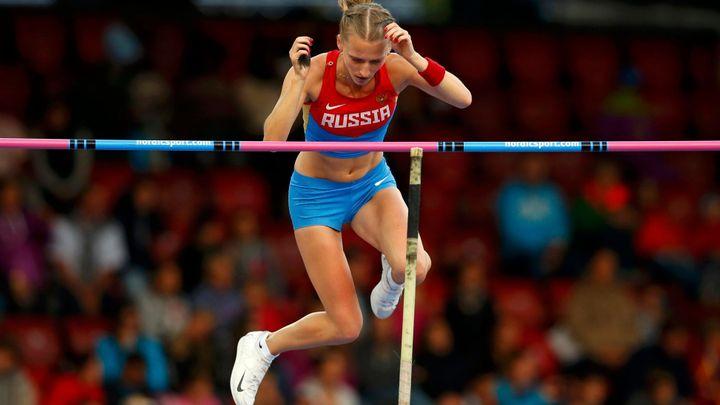 Sidorovová jako třetí tyčkařka v historii překonala pětimetrovou hranici; Zdroj foto: Reuters