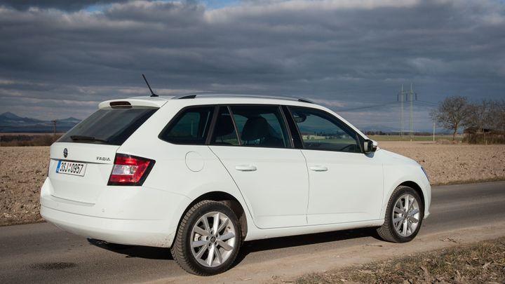 Zájem o nová auta v lednu rostl, prodeje zvýšila i Škoda