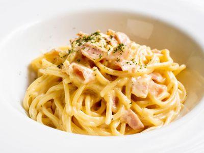 Recept na slavné italské těstoviny, který pobouřil Italy. Takhle je nikdy nevařte