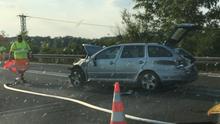 Na dálnici D8 ve směru na Ústí se srazilo auto s autobusem, dva lidé utrpěli lehčí zranění