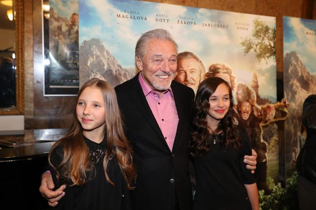 Karel Gott a dcery Charlotte Ella a Nelly Sofie