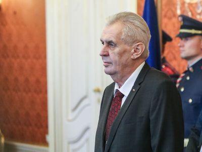 ŽIVĚ: Vyzývám Zemana, ať se účastní debat, jinak já přijdu za ním, znám tajné vchody, říká Fischer